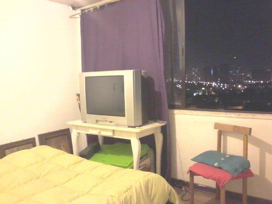 Habitacion Tvcable y canales de futbol premium y wifi.