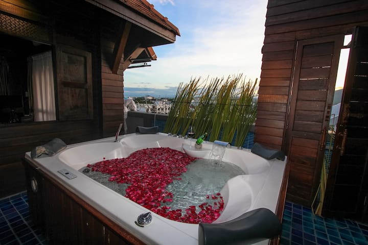 3.Lanna Jacuzzi Suite 2-Free transfer Include ABF