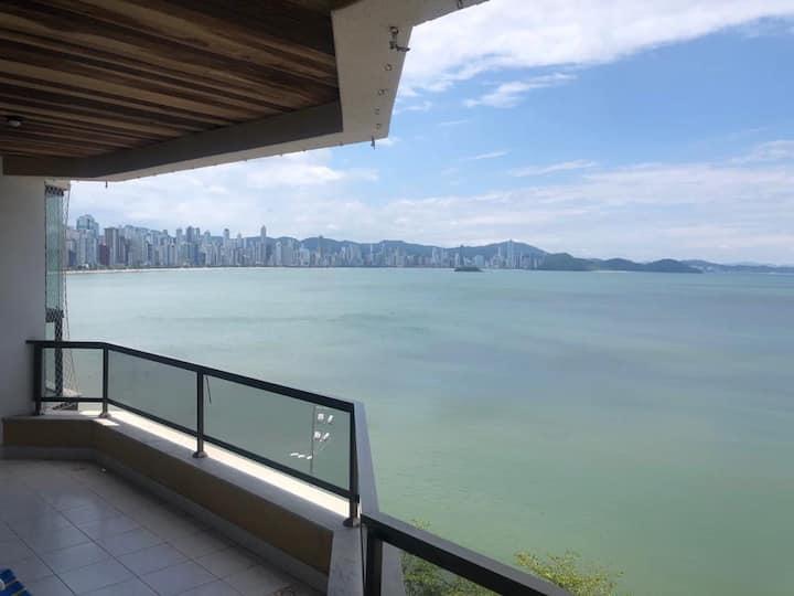 Lindo Apartamento Frente Mar - Balneário Camboriú