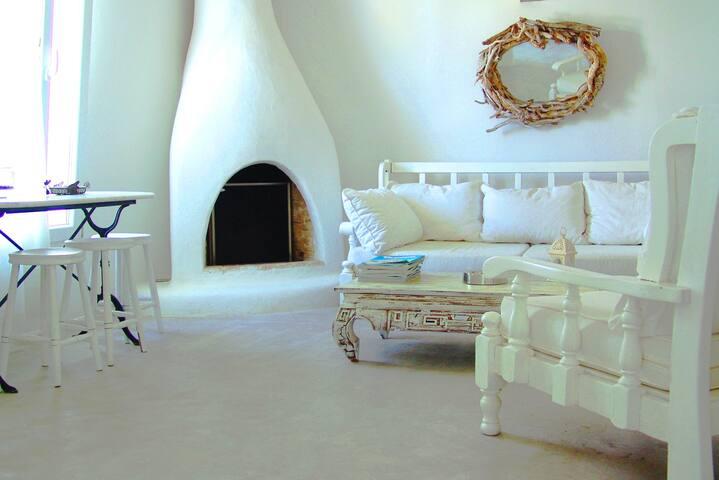 Mykonian Art Houses. Casa Mondo - Áno Merá - Casa