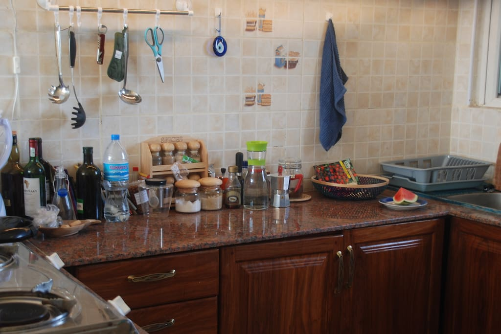 Fully equipped kitchen, with gas stoves