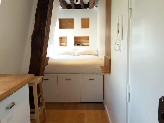 Smallest hotel in the world! - Paris - Apartemen