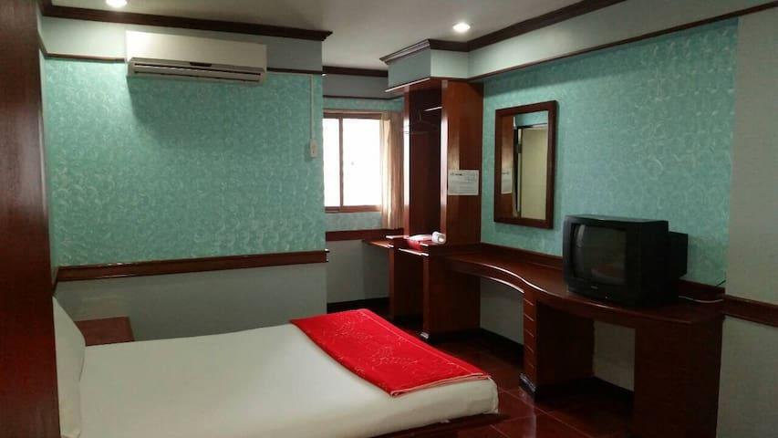 West Wing Mansion+清新優雅小套房+中文溝通價錢便宜+機能方便 - กรุงเทพ