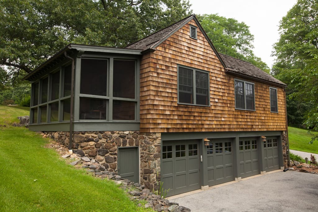 The carriage house vacation home retreat locations saisonni res louer croton on hudson - Large summer houses energizing retreat ...