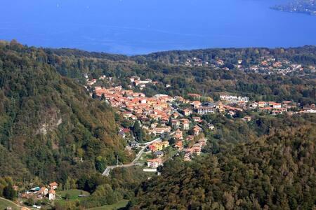 The Ideal Flat @Lake Maggiore - Gignese - Huoneisto