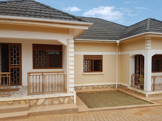 Private self catering house - Kampala