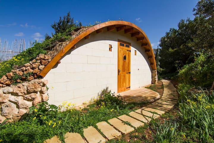 Hobbit Dome In Rural Farmstay, Malta