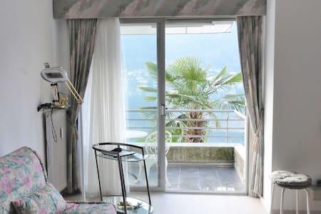 Studio au bord du lac de Lugano - Morcote