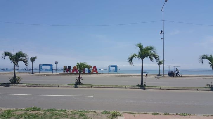 Departamento vacacional a un costado del mar