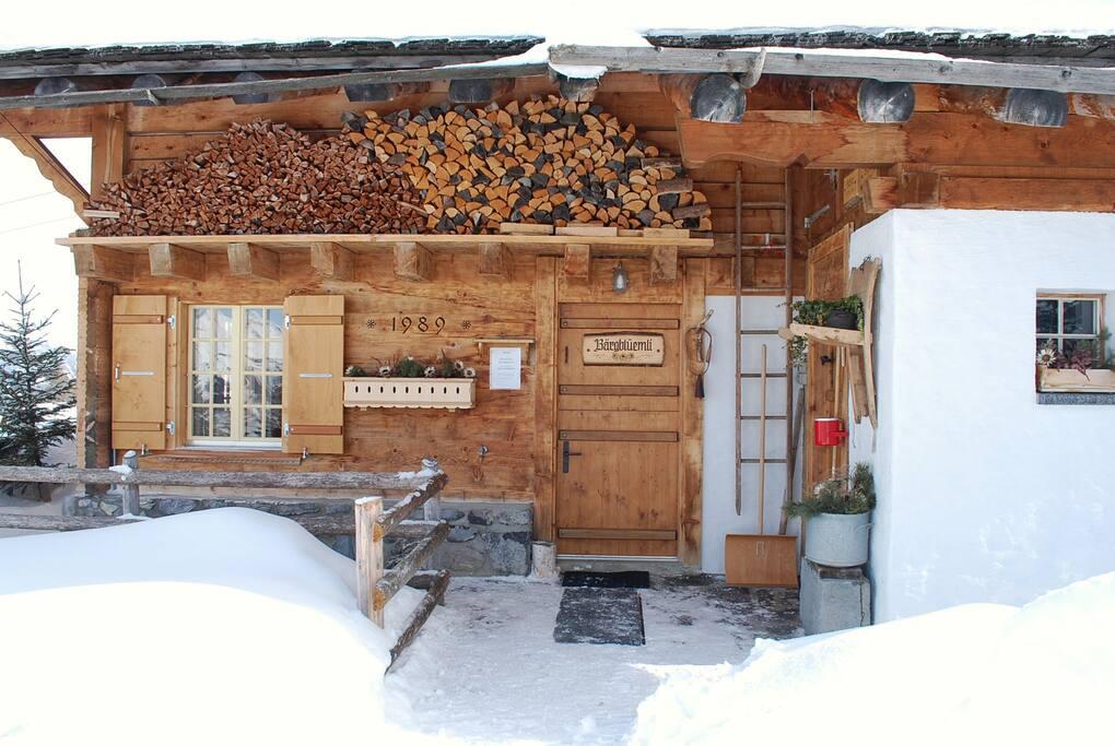 Der Eingang im Winter...