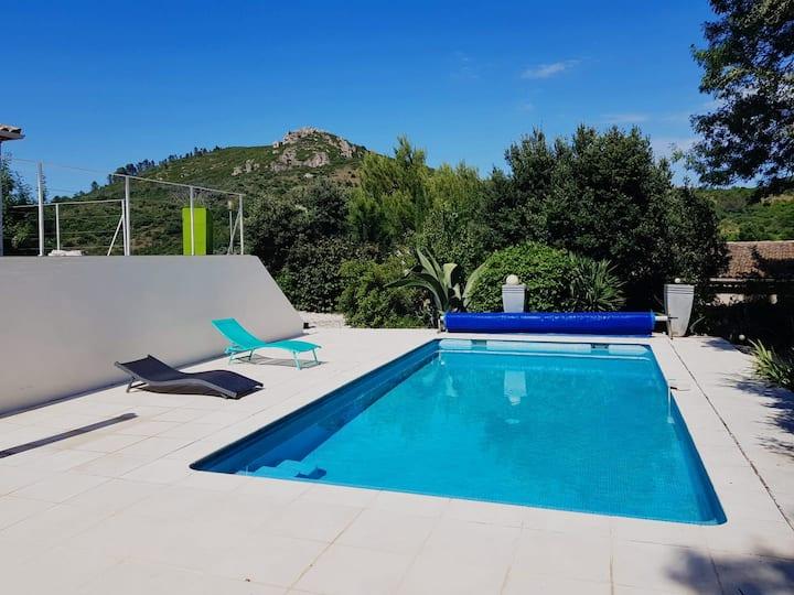 Villa piscine avec belle vue