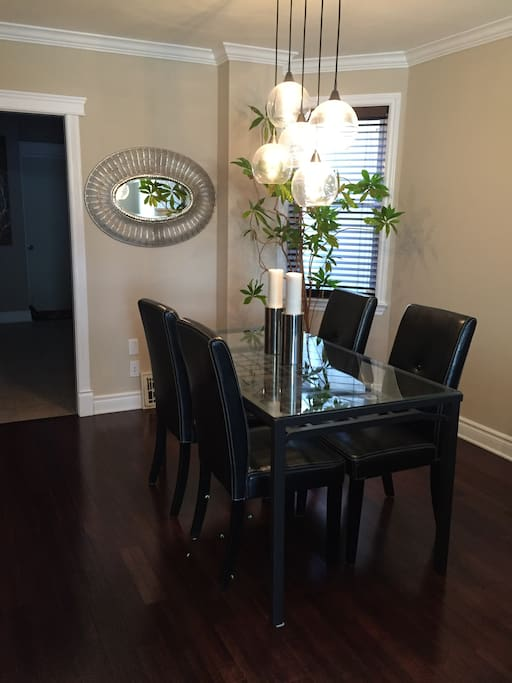 Dining area - additional chairs available