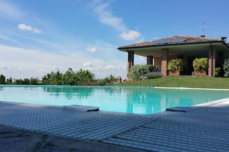 Charming villa on the hills - Borgonovo Val Tidone