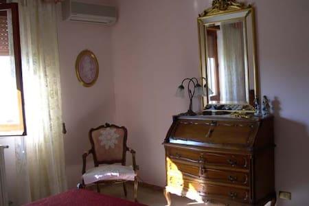 Camera singola o matrimoniale. - Locri - Bed & Breakfast