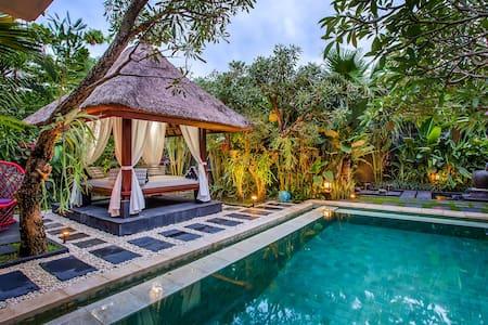 Luxury 1BR Private Pool Villa Bali