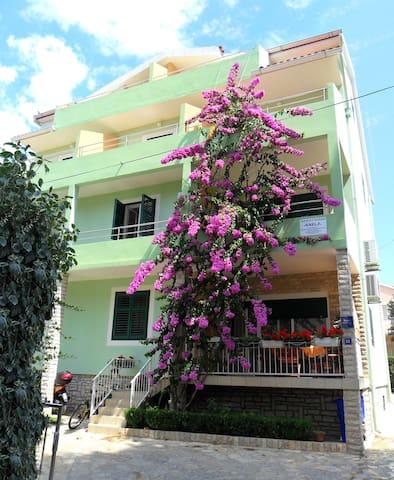 Anela apartments 50m near beach - Biograd na Moru - Lejlighed