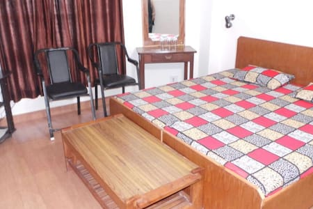 shray Home Stay Kufri Shimla 171012 - Kufri - Ház