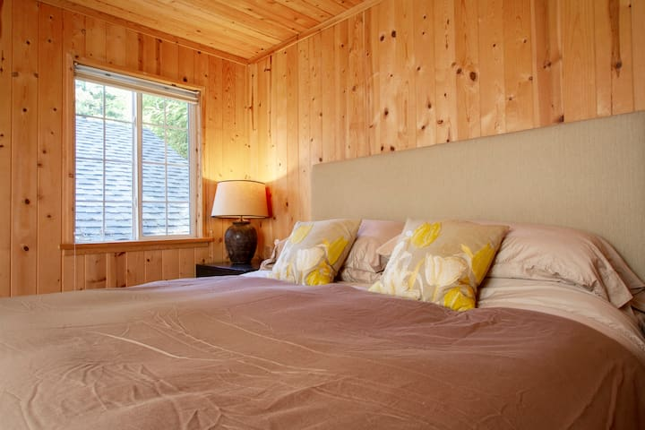 The cabin is reminiscent of the classic summer cottage (except this time with a luxury king sized mattress and private bathroom).