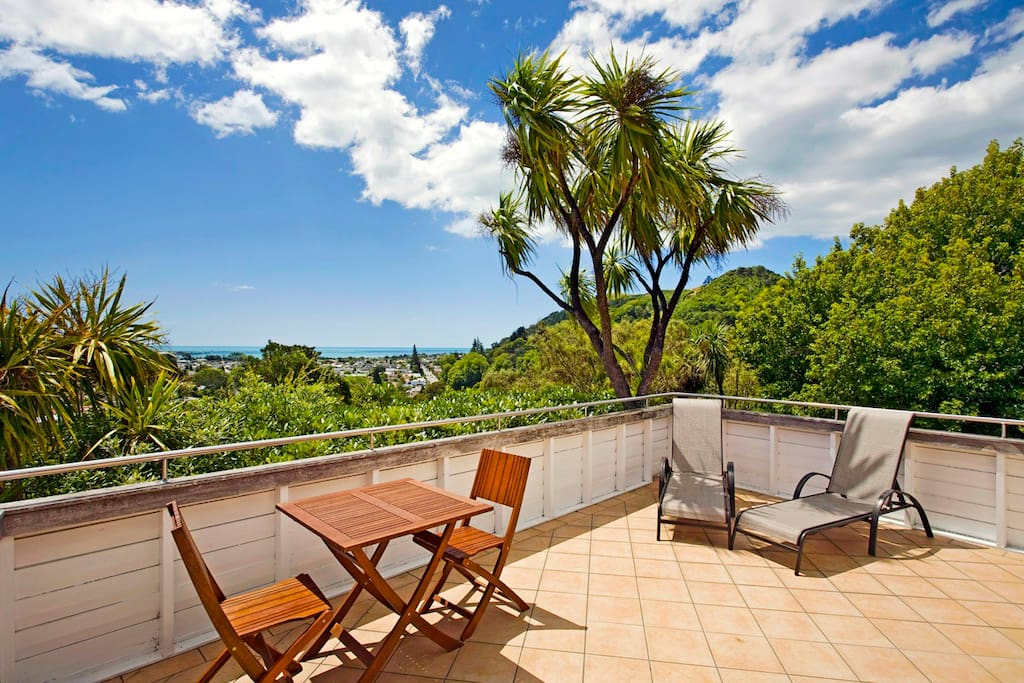 Large deck area with stunning views