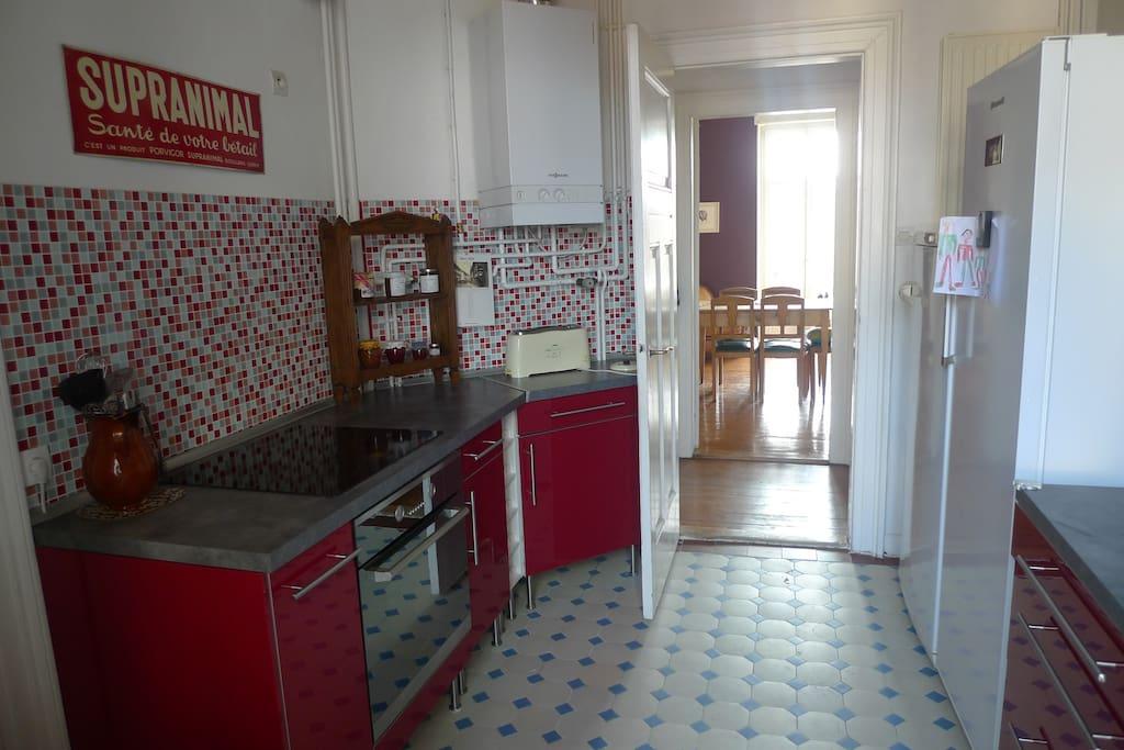 La cuisine, fonctionnelle et lumineuse