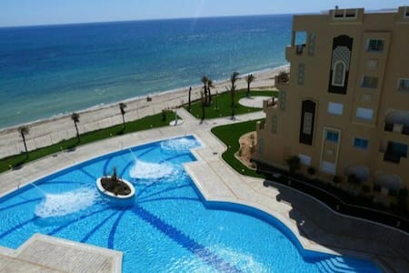 Apart sea front private beach FOLLA - Sousse - Lejlighed