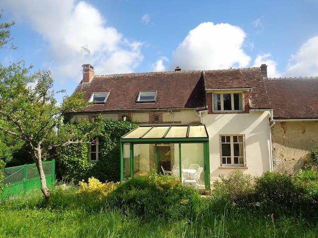 Charmante maison à10km de Joigny