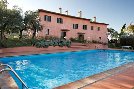 Elegant former convent with guest house and pool - Foligno - Villa