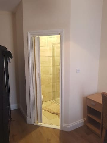 1 of 3  En suite bedrooms, Heaton, Newcastle
