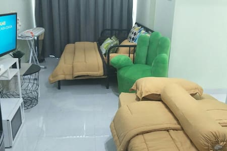 3 BR for 7 people, unlimited internet,near busway