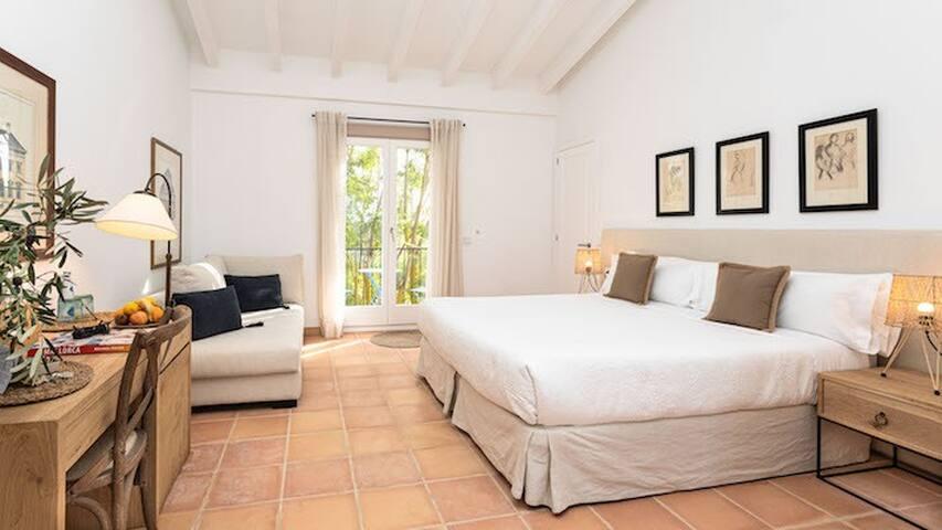 FINCA SON MIRANDA, Suite with views, B&B