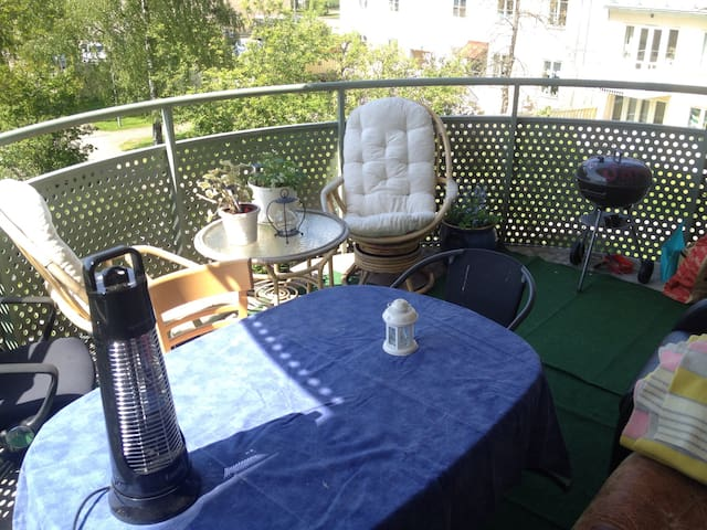 Cozy App. w. huge balcony Kalmar C - Kalmar - Appartement
