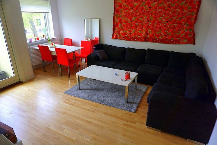 Cosy Room in Warm Shared Apartment - Kopenhag - Daire
