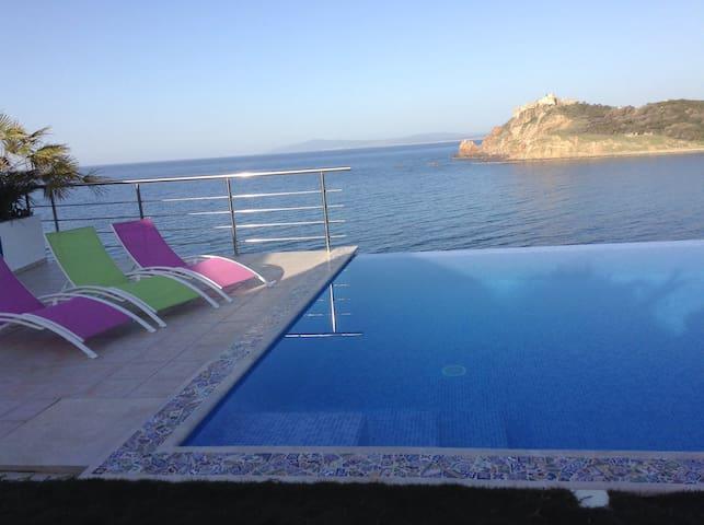 Chambre d'hôtes sur mer à Tabarka - Tabarka - 家庭式旅館