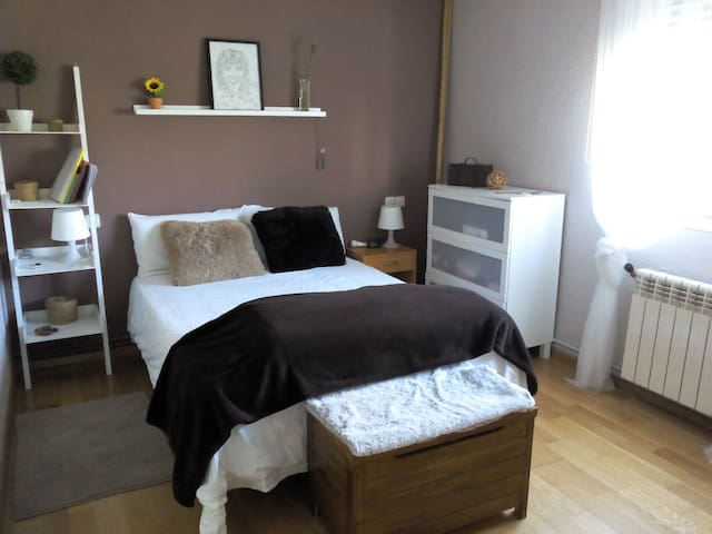 San Fermin, room to rent