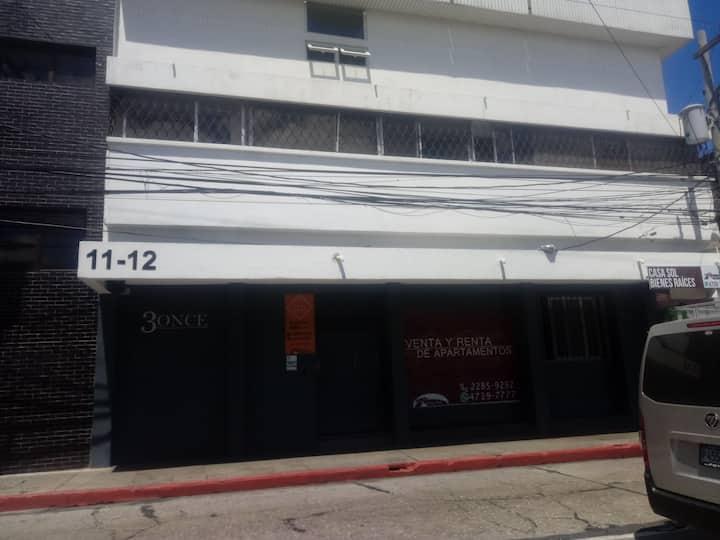Apartamento zona uno,  edificio 3once 105