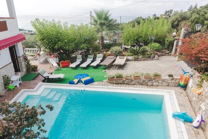 Appartamento con una stanza a Vibonati, con splendida vista mare, accesso alla piscina e giardino recintato - 500 m dalla spiaggia
