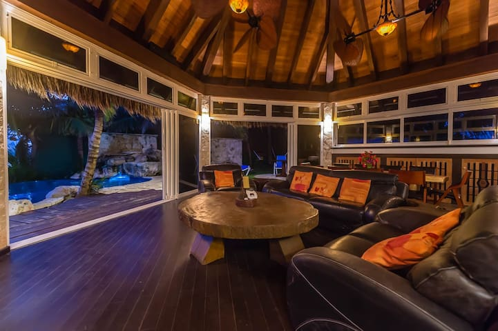 The Rock House - on the absolute oceanfront - akumal - Huis