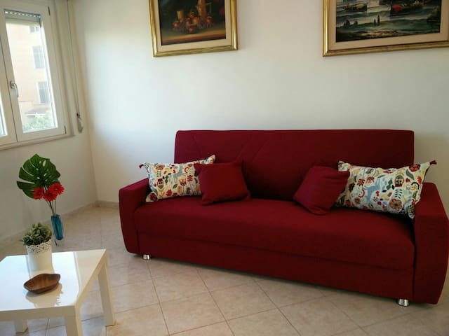 Hospitable Apartment, 50mt from the sea - Torvaianica - Apartment