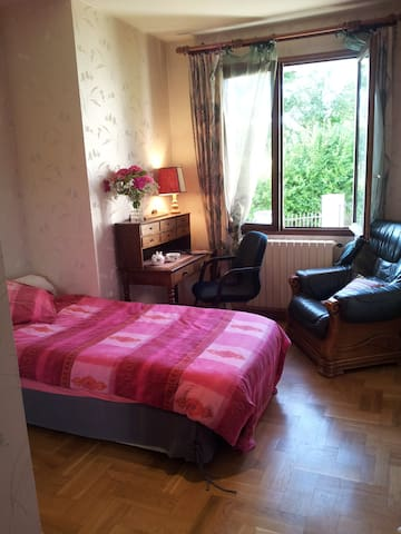 RENTAL SUITE MADE OF 3 BEDROOMS and KITCHEN - Bazainville - Daire