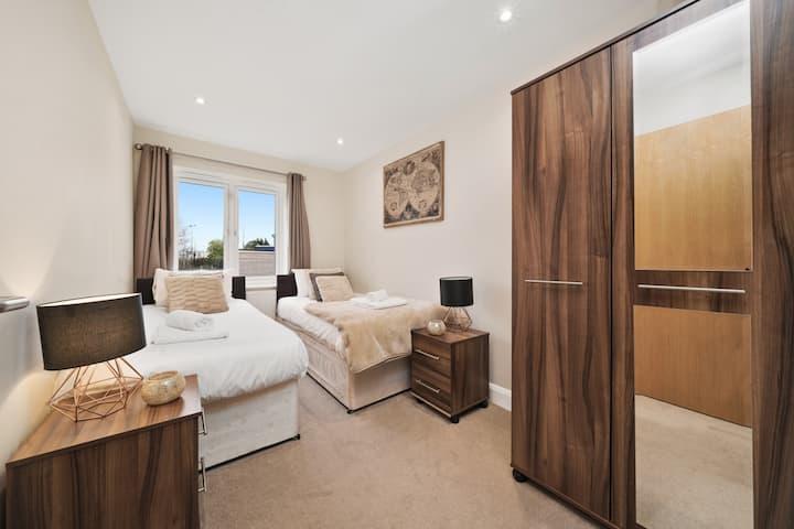 Heathrow Living Serviced Apartments - Apt 9