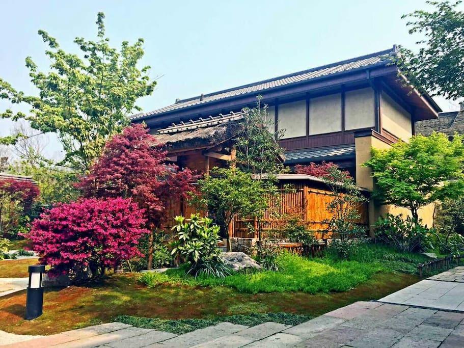 别墅内花园1