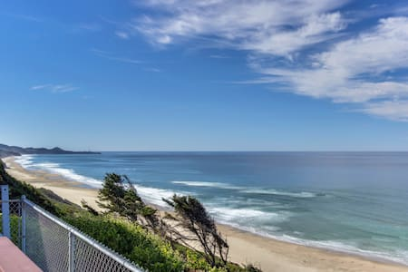 Dog-friendly beachfront home w/private hot tub for whale watching! Close to town