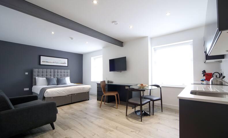 Studio Apartment | Newington2