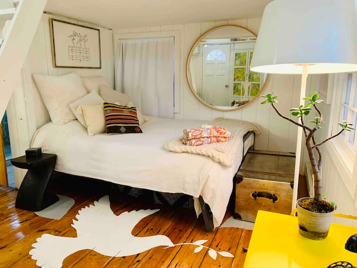 Lovely & tiny SHE-SHED BY THE SEA in Provincetown