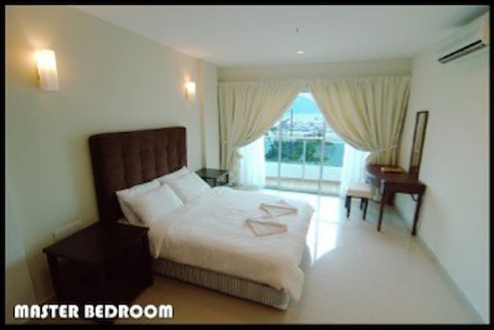 Superior Suite 221, Laguna 1, Marina Island