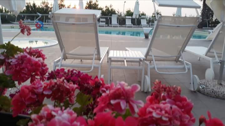Holiday apartment 2 rooms  with Pool and Parking