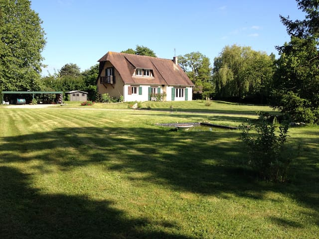 Charm, 80km from Paris, Golf 1km