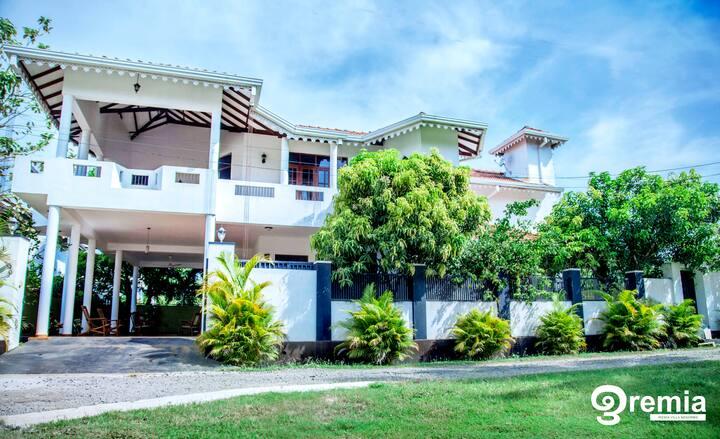 Iremia Resort