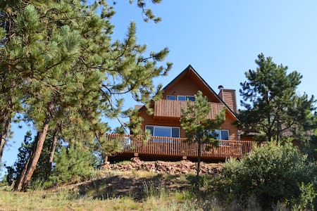 Colorado Mountain View Chalet - Woodland Park - Hus