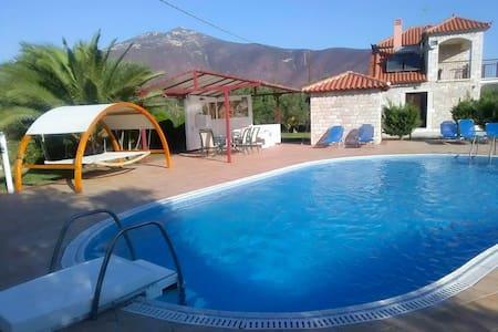 Villa Glyfada - Paralio Astros
